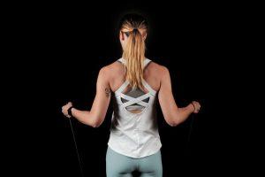 תרגילים עם רצועות התנגדות - גב